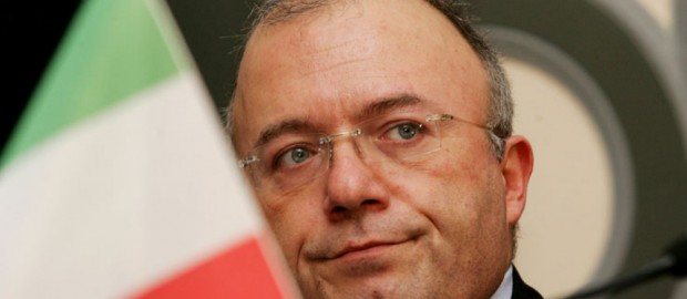 L'esempio di Francesco Storace, uomo di Stato capace di mollare la poltrona