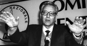 """Se ne va Pino Rauti, storico protagonista della destra affezionato all'utopia dello """"sfondamento a sinistra"""""""